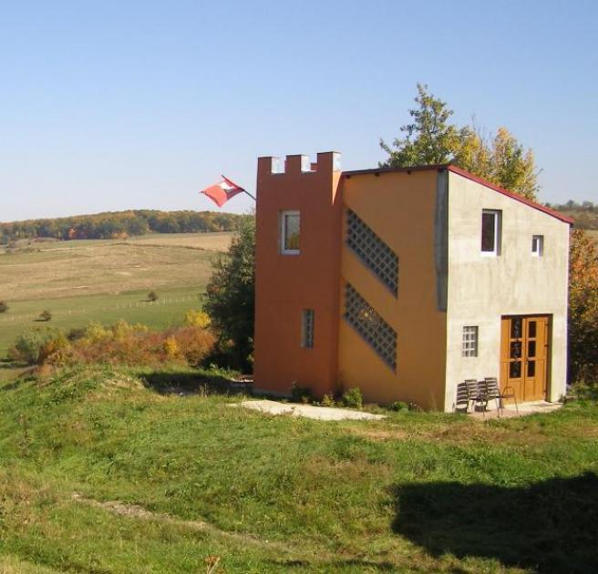Immobilie Fuer Aussteiger oder als Feriendomizil kleine Burg