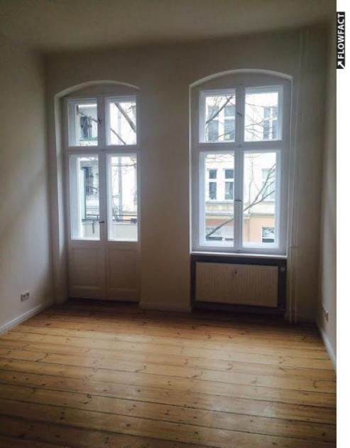 Studentenwohnung Mit Balkon Und Einbauküche In Pberg