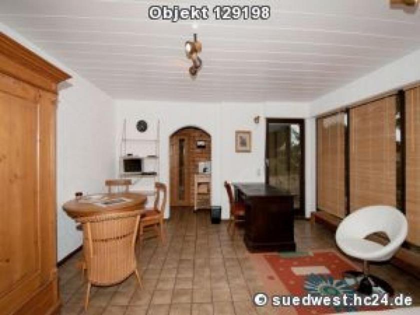 Muehlhausen: Ruhige Einzimmerwohnung mit schönem (Update)